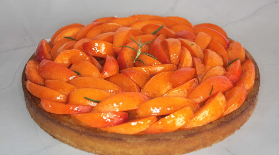 Tarte abricot-romarin